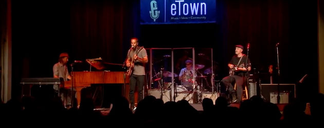 Jack Johnson shines on the eTown stage