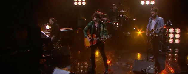 Barns Courtney does a mashup on The Late Late Show