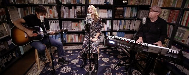 Joan Osborne brings her Dylan show to Paste